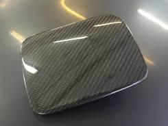 Лючок бака (бензобака ) Chaser jzx100 carbon (карбон ). Toyota Chaser, JZX100