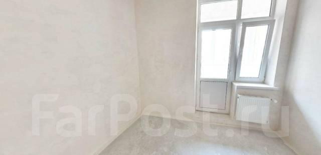 3-комнатная, улица Героя Яцкова 18. ККБ, агентство, 79 кв.м.