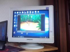 "Samsung. 17"" (43 см), технология CRT (ЭЛТ)"
