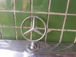 Эмблема решетки. Mercedes-Benz E-Class, W124