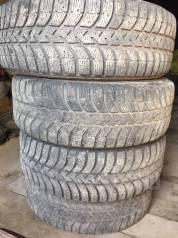 Bridgestone. Зимние, шипованные, 30%, 4 шт