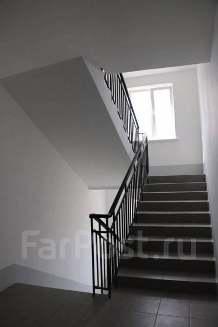 3-комнатная, проезд Новоникольский 4. 3-й км, агентство, 70 кв.м. Подъезд внутри
