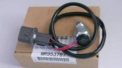 Датчик включения 4wd. Mitsubishi Pajero, V65W, V77W, V63W, V75W, V73W, V97W, V78W, V68W