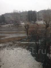 1-комнатная, проспект Комсомольский 1. частное лицо, 30 кв.м. Вид из окна днём