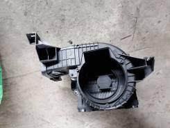 Корпус моторчика печки. Subaru Forester, SG5, SG9, SG9L
