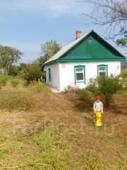 Продам добротный дом с крепким фундаментом. Океанская ул. 69, р-н ЦОФ, площадь дома 60 кв.м., электричество 2 кВт, отопление твердотопливное, от част...