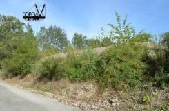 Продаётся земельный участок под ИЖС, район Автобаза в Артеме. 1 200кв.м., собственность, вода, от агентства недвижимости (посредник). Фото участка