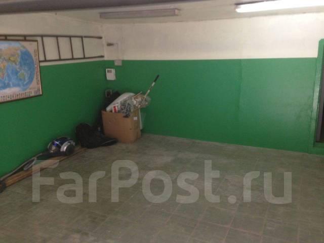 Гаражи капитальные. улица Сахалинская 17, р-н Тихая, 40 кв.м., электричество. Вид изнутри