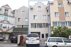 Таунхаус 4(+2) этаж., на сопке Буссе. Улица Жариковская 5, р-н Центр, площадь дома 400 кв.м., централизованный водопровод, электричество 15 кВт, отоп...