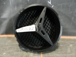 Кронштейн решетки радиатора.