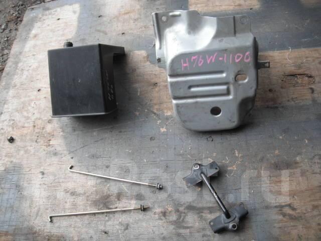 Крепление аккумулятора. Mitsubishi Pajero, H65W, H66W, H67W, H76W, H77W Mitsubishi Pajero iO, H61W, H62W, H65W, H66W, H67W, H71W, H72W, H76W, H77W Mit...