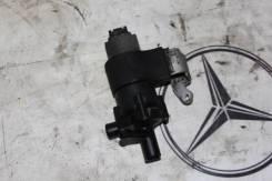 Помпа водяная. Mercedes-Benz E-Class, W210