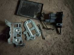 Крепление аккумулятора. Nissan Dualis, J10