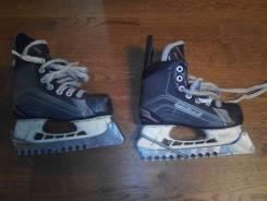 Коньки. размер: 31, хоккейные коньки