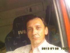 Водитель грузового автомобиля. Среднее образование, опыт работы 27 лет