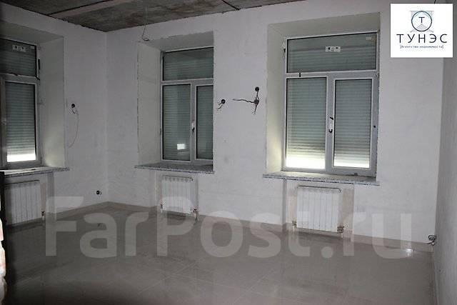 Продается трехэтажное помещение на Бестужева во Владивостоке. Улица Бестужева 26а, р-н Эгершельд, 911 кв.м. Интерьер