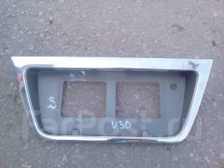 Рамка для крепления номера. Nissan Presage, NU30 Двигатель KA24DE