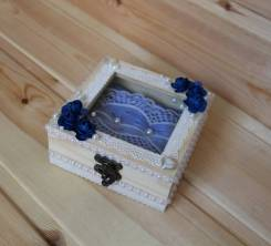 Деревянная шкатулочка для мелочей и украшений с окошком, ручная работа