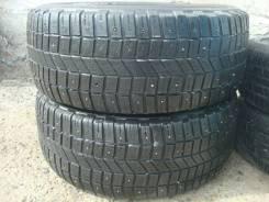 Michelin 4x4 XPC. Зимние, шипованные, износ: 40%, 2 шт