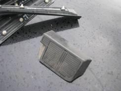 Подставка под ногу Nissan Cedric / Gloria
