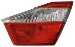 Вставка багажника. Toyota Camry, ACV51, ASV50, ASV51, GSV50, AVV50 Двигатели: 1AZFE, 2ARFXE, 2ARFE, 2GRFE, 6ARFSE
