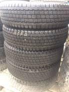Bridgestone Blizzak Revo 696. Всесезонные, 2012 год, износ: 10%, 4 шт