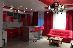 1-комнатная, улица Петра Комарова 2. Центральный, 48 кв.м. Комната