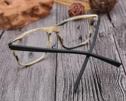 Очки, оправы-деревянные дужки.Проверка остроты зрения, бесплатно.
