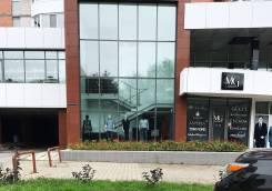 Сдам в аренду 1 этаж и отделы на 2 этаже от 20 кв. м. 15 кв.м., улица Волочаевская 124, р-н Центральный