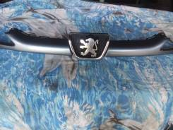 Решетка радиатора. Peugeot 206