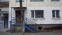 Продается помещение в Кавалеровском р-не под магазин, аптеку и т. д. Улица Комсомольская 94, р-н центр, 42 кв.м. Дом снаружи