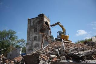 Демонтаж и снос зданий, сооружений. Профессионально ломаем!