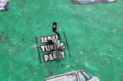 Ручка открывания бензобака. Toyota: Sprinter Carib, Yaris Verso, Sprinter, Wish, Raum, Corolla Spacio, Sienta, Probox, Corolla Fielder, Starlet, Avens...
