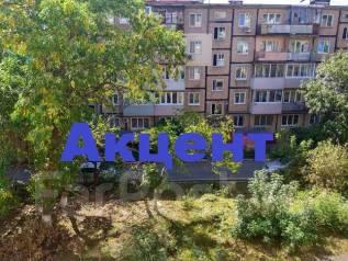 1-комнатная, улица Кирова 24. Вторая речка, агентство, 32 кв.м. Вид из окна днём