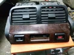 Консоль с часами. Nissan Maxima, A32 Nissan Cefiro, WHA32, PA32, HA32, WA32, A32, WPA32 Двигатели: VQ30DE, VQ20DE, VQ25DE