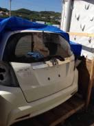 Дверь багажника. Honda Fit Hybrid, GP1 Двигатель LDA