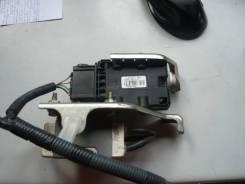 Блок управления топливным насосом. Toyota Ractis