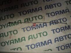 Упор капота. Toyota Corolla Axio, NZE141 Toyota Corolla Fielder, NZE141, NZE141G