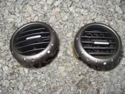 Решетка вентиляционная. Honda Odyssey, RB2, RB1 Двигатель K24A