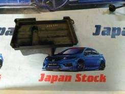 Кронштейн под аккумулятор. Toyota Crown, JZS175, JZS173, JZS171W, JZS171, JZS173W, JZS175W