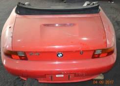 Задняя часть автомобиля. BMW Z3
