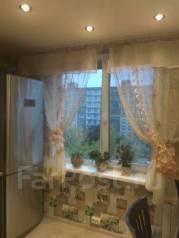 2-комнатная, улица Блюхера 14 ост.Уссурийская. Центральный, частное лицо, 54 кв.м.