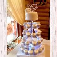 Свадебные мастичные торты, капкейки, сладкий стол на заказ.