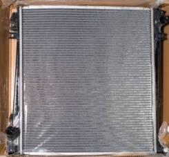 Радиатор охлаждения двигателя. Ford Explorer