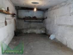 Гаражи капитальные. улица Нейбута 75, р-н 64, 71 микрорайоны, 18 кв.м., электричество, подвал. Вид изнутри