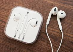 Apple EarPods MD827
