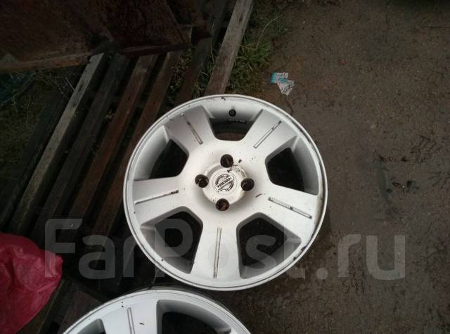 Nissan. 6.0x16, 4x100.00, ET45, ЦО 60,1мм.