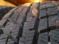Dunlop SP Winter ICE 01. Зимние, шипованные, 2014 год, износ: 10%, 4 шт