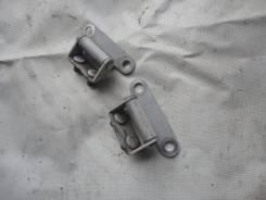 Кронштейн двери багажника. Toyota Sprinter, AE100, AE101, AE104, AE109, CE102, CE102G, EE102 Toyota Corolla, AE100, AE100G, AE101, AE101G, AE104, AE10...