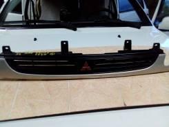 Решетка радиатора. Mitsubishi Delica, PE8W